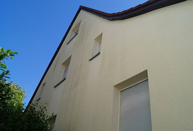 Fassade VOR der Wäsche